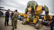 Megabots' Giant Fighting Robot!